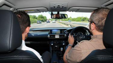 独家的:英国驾驶标准正在下降,但这是别人的错