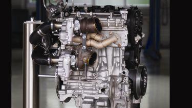 新的三重涡轮发动机在途中发出更多热沃尔沃斯