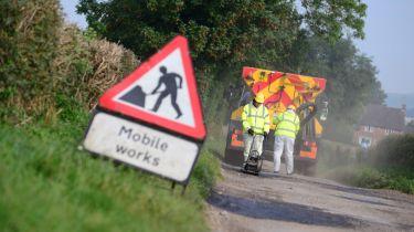 英国委员会给予60亿英镑来修复坑洼